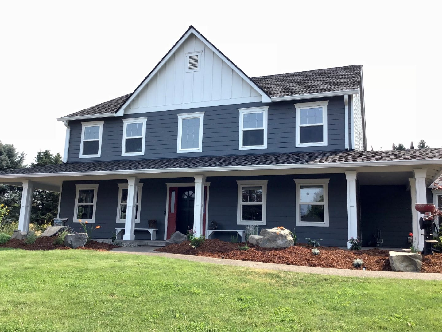 Professional siding job in Portland before and after