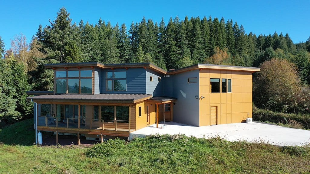 After install of James Hardie Lap Siding & Sherwin Williams SuperPaint on NW Portland home