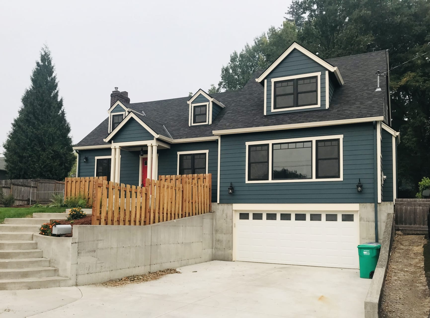 Milwaukie new siding and roof installation completed