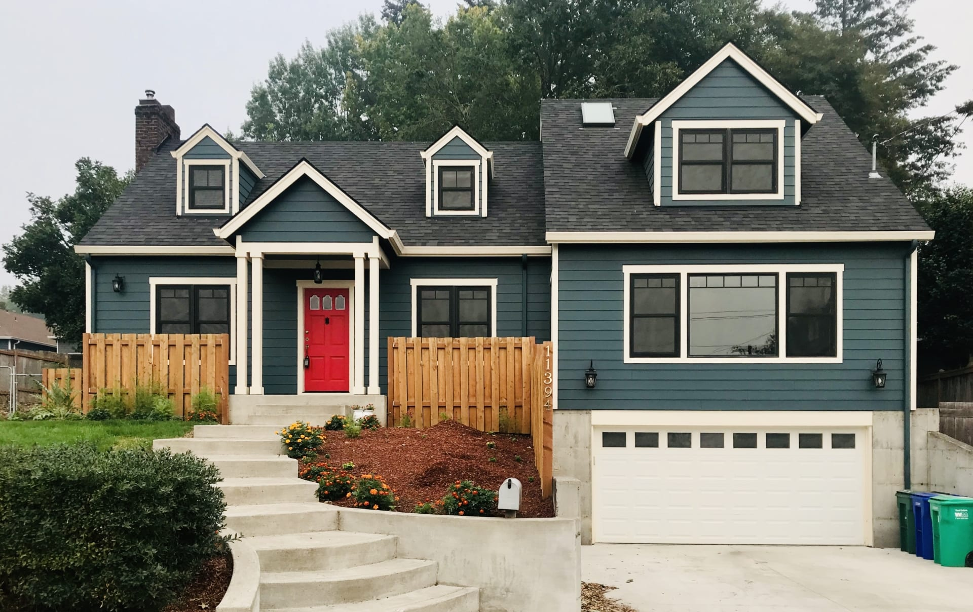 Milwaukie home after new siding and roofing installation