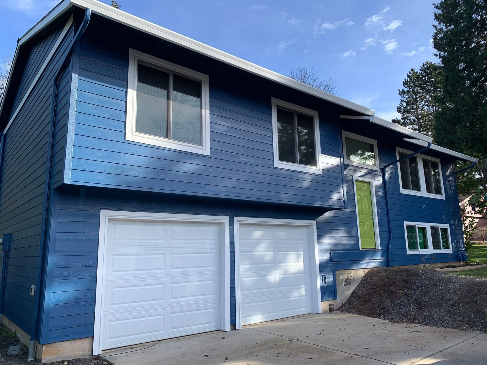 Brand new James Hardie Siding on home in Sandy Oregon